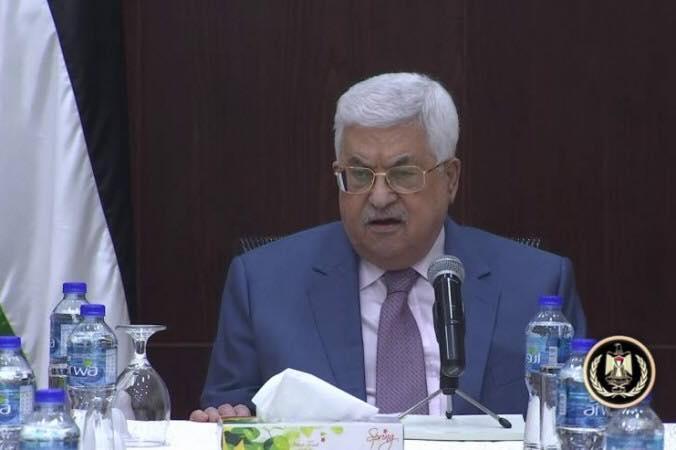 محمود عباس: إما أن تسلم حماس كل شيء في غزة أو سنتخذ إجراءات مناسبة.