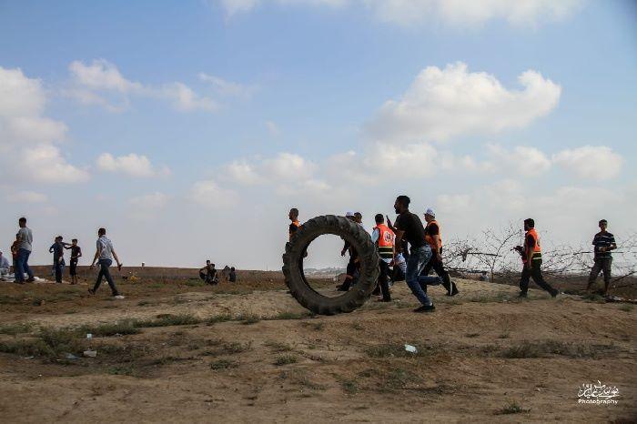 إصابة ضابط صهيوني جراء إلقاء قنبلة يدوية تجاهه على حدود غزة