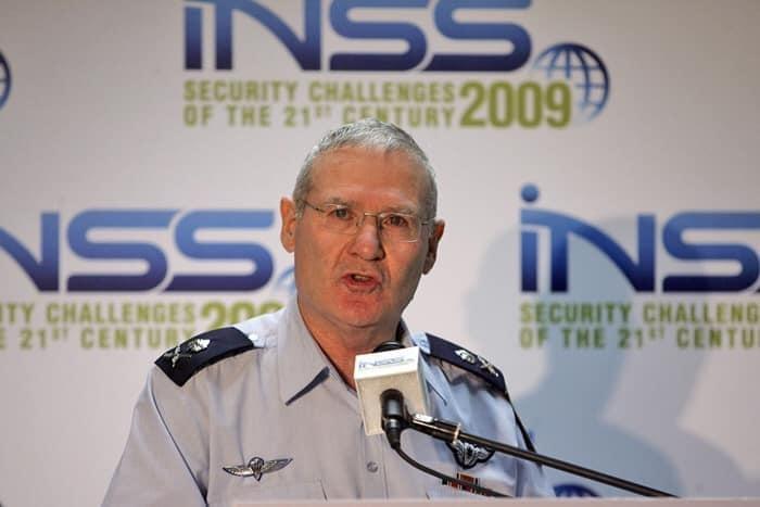 تقرير أمني إسرائيلي:* الفرصة سانحة لضم الضفة تحت غطاء الكورونا