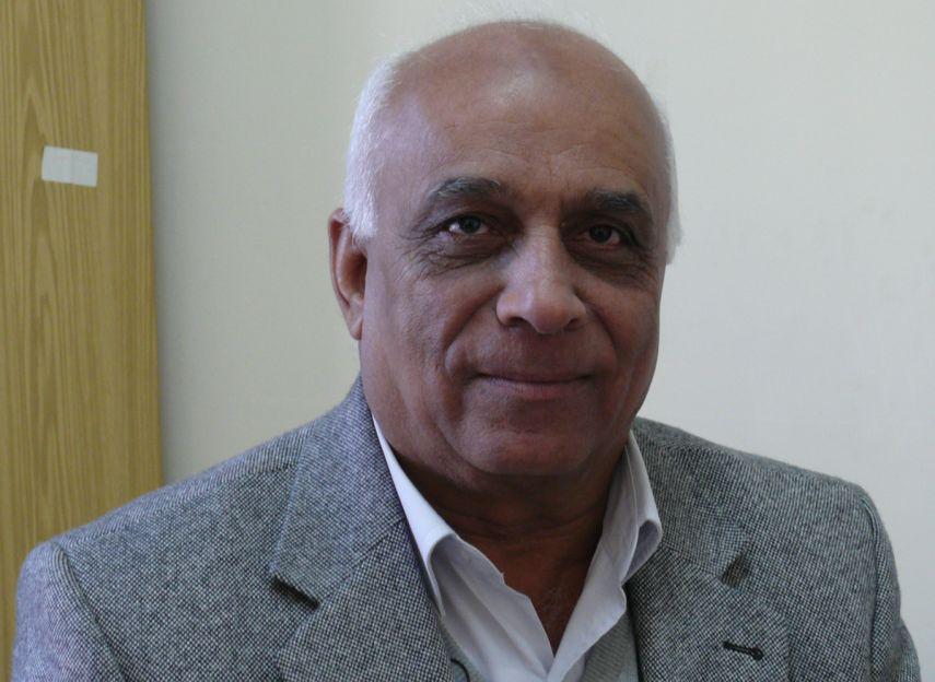 البروفيسور عماد البرغوثي عالم فلسطيني متميز .