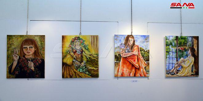 جمال طبيعة فلسطين وتفاصيل من تراثها الغني في معرض اللوحة الصغيرة