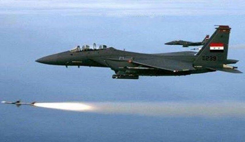 """20 غارة مدمرة للطيران السوري على مواقع استراتيجية لمسلحي تنظيم """"حراس الدين"""" المرتبط بتنظيم """"القاعدة"""" في إدلب"""